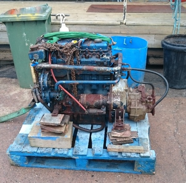 DSC_0050 Engine Out 600x593